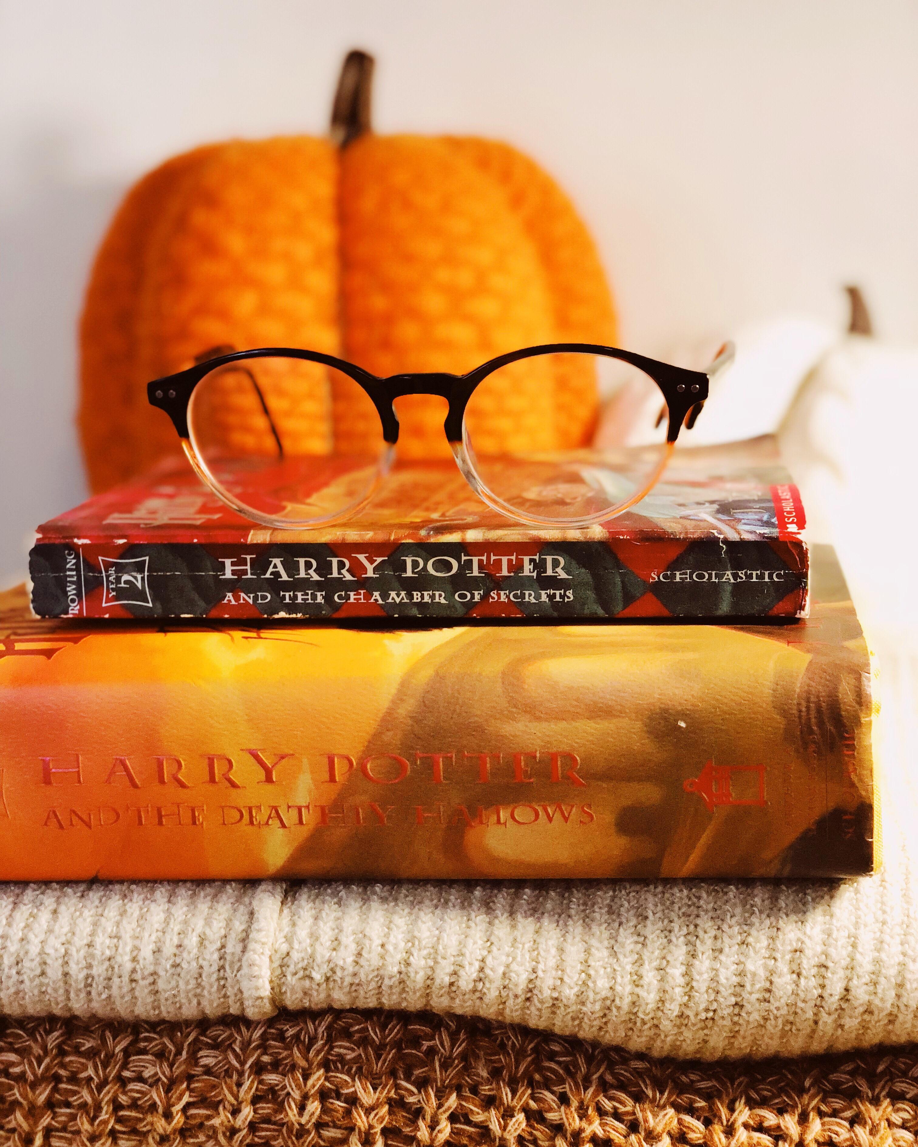 Fall MUST Read Books | LEXTOBER #2 💛🍂🎃📚