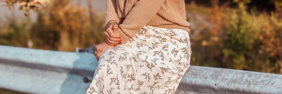 Transitioning a Midi Dress in Fall | LexTober
